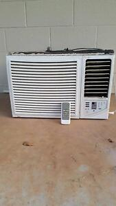 Air conditioner Midea 2.8kw. Humpty Doo Litchfield Area Preview