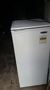Second hand fridge - Pick Up only in Brunswick Brunswick East Moreland Area Preview