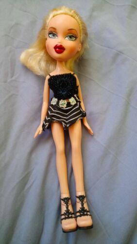 Image of 0065 Blond Bratz Girlz Cloe Doll in Skirt Top amp Shoes Sandals