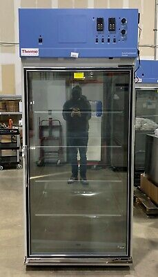 Thermo Scientific Forma Large Capacity Environmental Chamber 3940