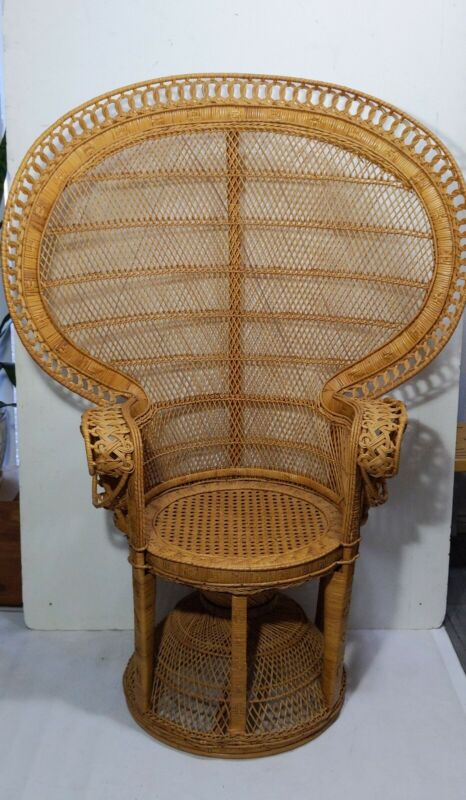 Vintage Wicker Rattan Peacock Fan Throne Chair Mid Century Modern Boho Chic