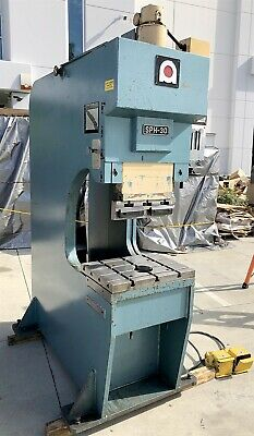 Nice Amada 30 Ton C-frame Universal Hydraulic Brakepunchnotchcut Press