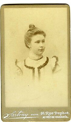 Sartony Paris Charlotte Poulet pose coiffure mode fashion PHOTO CDV