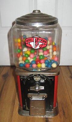Vintage Victor Model V 1-Cent Penny Gumball Vending Machine Glass Globe Rare