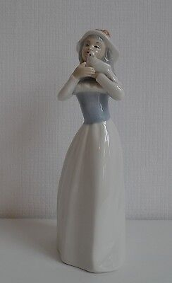 Tengra Made in Spain Porcelain Figurine Young Woman with Pigeon Handmade 23cm