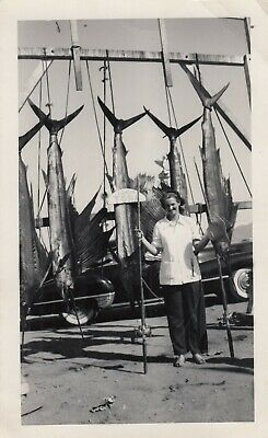 Vintage B/W Photo  Woman by Large Catches of Sword Fish - Lancha Tona? comprar usado  Enviando para Brazil