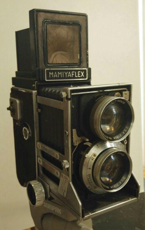 Vintage Mamiyaflex C2 TLR Camera