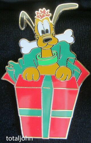 66298 DisneyShopping.com  A Gift for Mickey Mouse Pluto Pin LE 100