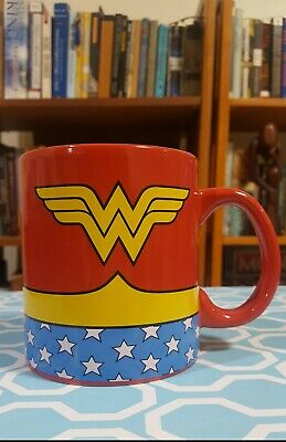 Wonder Woman Costume Design (WONDER WOMAN: DC Comics Costume 20oz Mug - Retro logo)