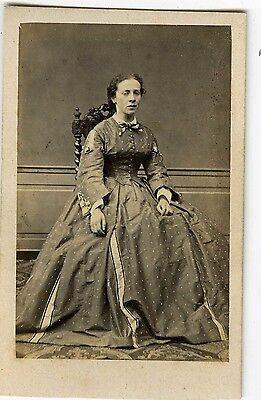 PHOTO CDV 1860 LIMOGES MARTIN une femme pose vintage albumen FASHION