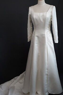 BONNY BEST QUALITY IVORY WEDDING DRESS SIZE 10 DIAMOND CRYSTALS BEADS