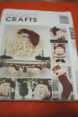 McCALL'S Crafts Pattern 2389 Santa Christmas Stocking Ornaments Garland Christmas Wreath Pattern