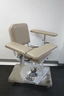 Custom Comfort 55843 Lab Medical Blood Drawing Chair Medup01
