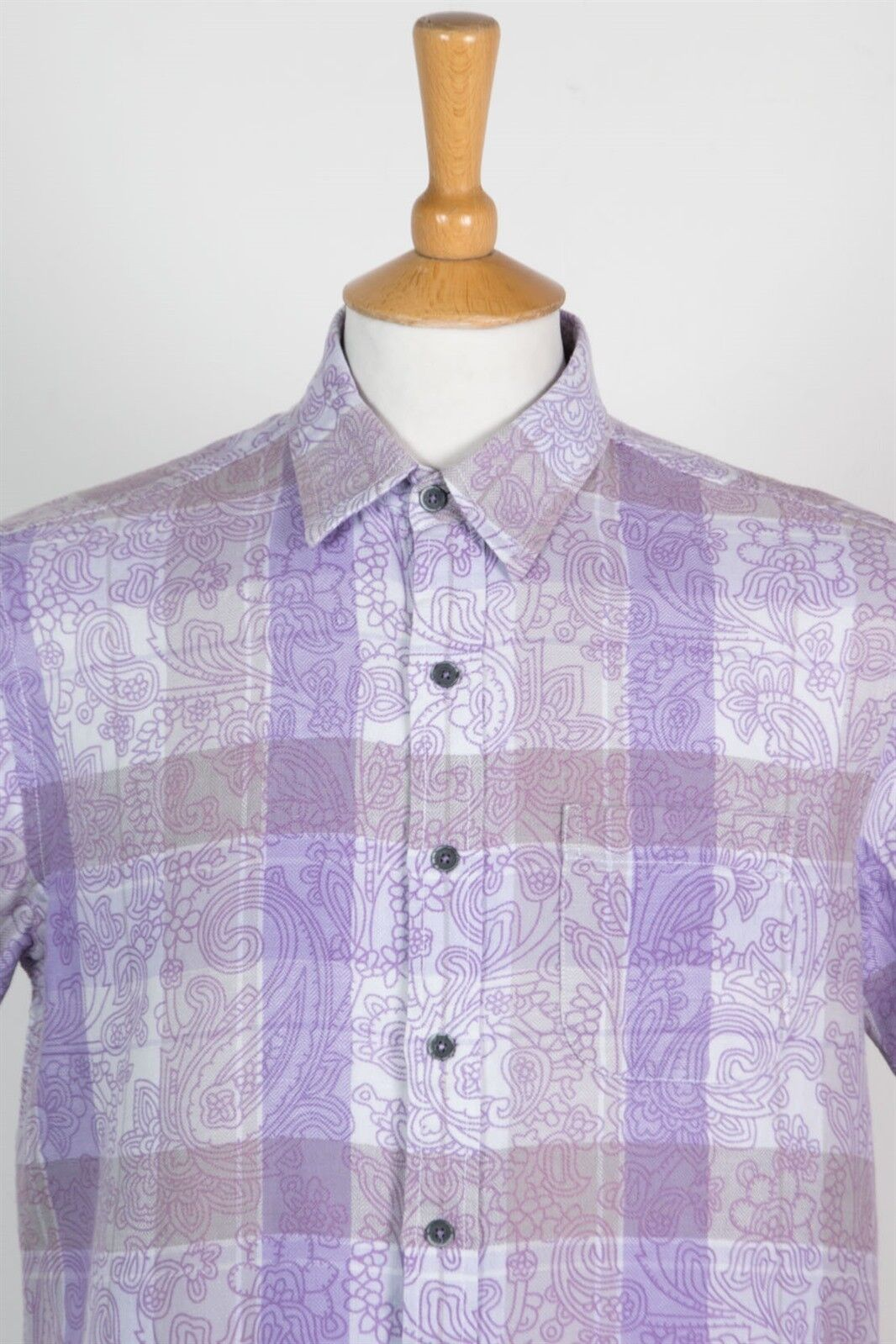 f0f35d063 sizing and shipping info below. DESCRIPTION. MENS RETRO STYLE PURPLE  PAISLEY PATTERN SHORT SLEEVE SHIRT