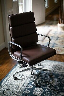Herman Miller Eames Soft Pad Executive Chair With Pneumatic Lift Barely Used