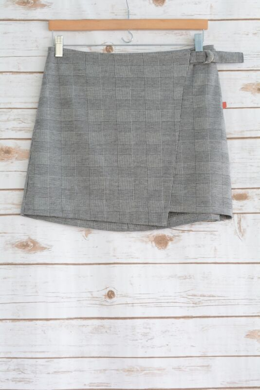 Mossimo Supply Co.Size 14 NEW Women/'s Asymmetrical Plaid Skirt