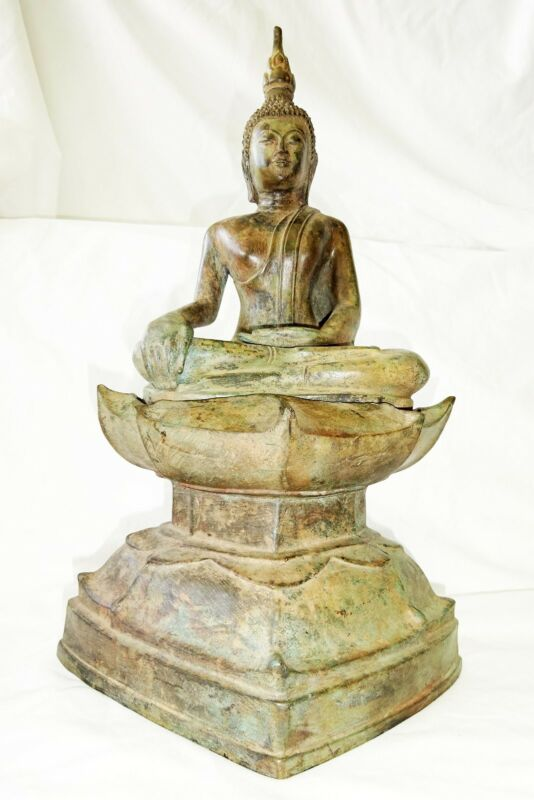20CT Thai Bronze Seated Buddha Sculpture on Stylized Lotus Base (Eic)