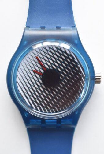 Minimalist modern art watch -  Retro 80s vintage style designer watch