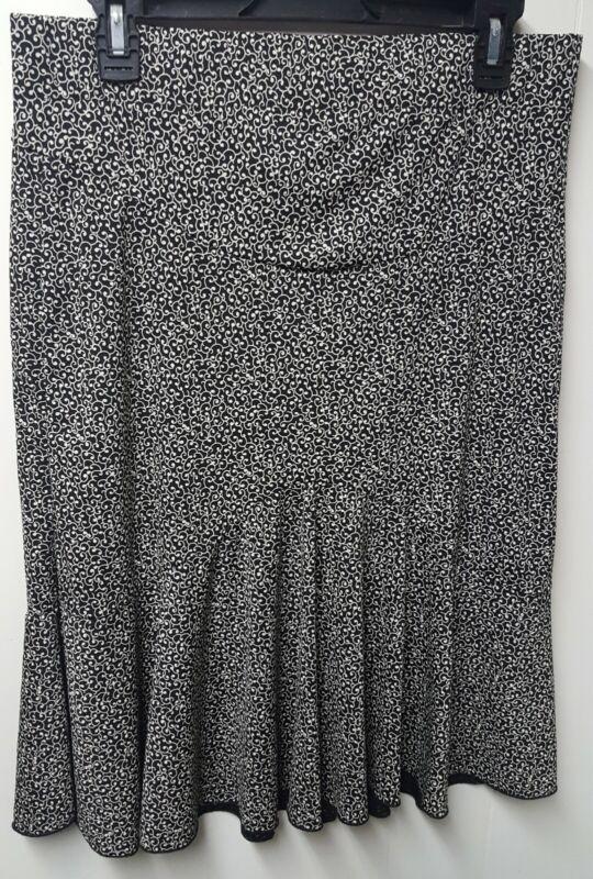 Motherhood Maternity Black & White Lined Below Knee Skirt Size Medium Nice!