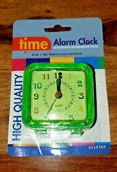 NIP NEW HIGH QUALITY TIME ALARM CLOCK BATTERY OPERATED GREEN DESKTOP