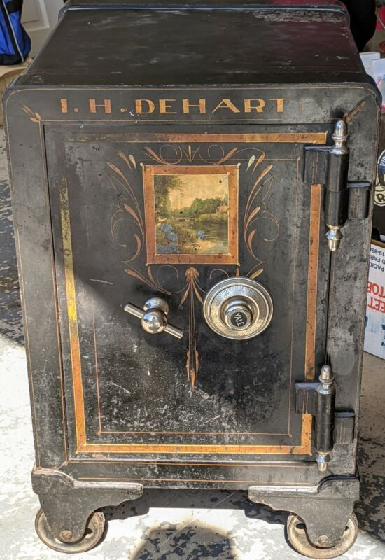 👉450lb👈 SMALL ANTIQUE SAFE ON WHEELS ~WITH COMBINATION~ PAINTING ON FRONT DOOR