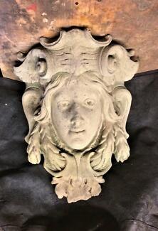 Corbel, antique sandstone face