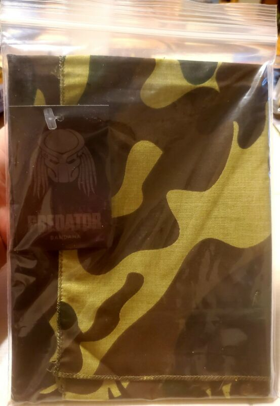 LOOT CRATE EXCLUSIVE PREDATOR JUNGLE CAMOUFLAGE BANDANA NEW W TAG FREE SHIPPING