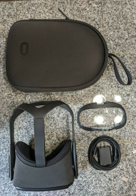 HEADSET, CASE &CHARGER ONLY | Oculus Quest All-In-One VR Gaming Headset | 64 GB