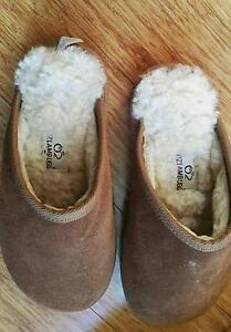 OzLamb Ugg slippers - hardly used. Real wool, not synthetic Kingsley Joondalup Area Preview