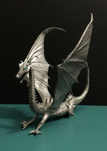 Rawcliffe Pewter Giant Wing Spikes Dragon Emerald Green Jewel Gem Figurine AD&D