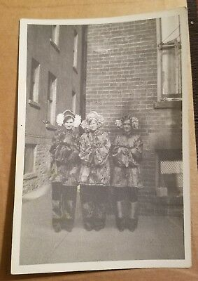 Vintage 1930s Photo - People in Chinese Costume - HALLOWEEN - BROOKLYN NEW YORK - Halloween Costumes Brooklyn