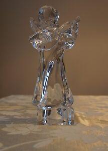 MIKASA CRYSTAL ANGEL PLAYING MANDOLIN HERALD COLLECTION, BEAUTIFUL PIECE