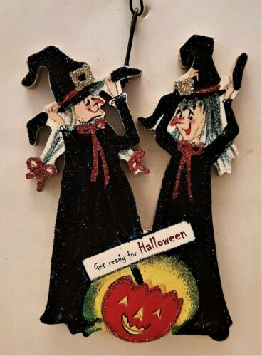 WITCHES GETTING READY for HALLOWEEN, JOL PUMPKIN * Glitter ORNAMENT * Vtg Img