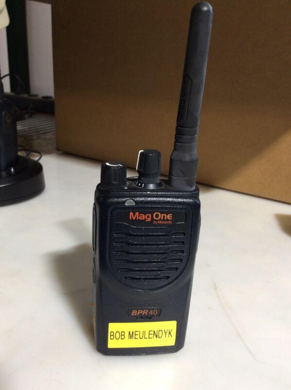 Motorola MAG ONE RADIO AAH84RCS8AA1AN BPR40 8ch UHF