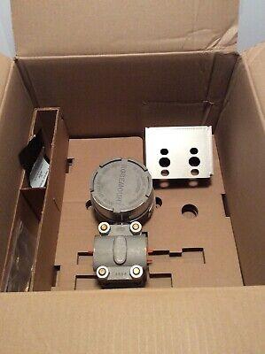 Rosemount Nuclear Pressure Transmitter 1154dp5rc New In Box