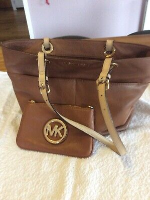 michael kors bag and purse