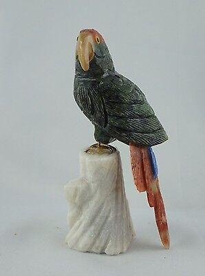 Schöner Papagei aus SERPENTIN UND CALCIT auf MARMOR Unikat ca. 115 mm hoch