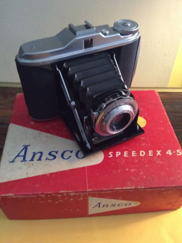 Collectible: Ansco Speedex 4.5 Camera         (299-210)