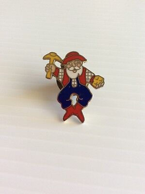 Az Lottery   Wild Card Willie  Lapel Pin