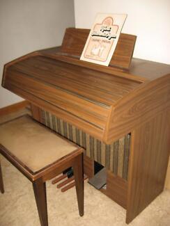 Kawai Electronic Organ Model E60 + stool Maggea Loxton Waikerie Preview