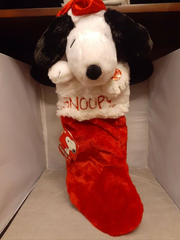 """PEANUTS SNOOPY MUSICAL ANIMATED CHRISTMAS STOCKING PLUSH """"PEANUTS THEME SONG"""""""