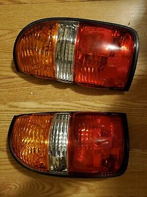 Tail Light for 2001-2004 Toyota Tacoma OEM
