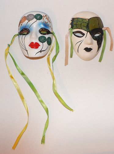 LOT 2-CERAMIC MASK DECORATIVE WALL HANGINGS-GLITTER-NEW ORLEANS-MARDI GRAS
