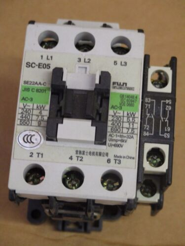 Fuji IEC SC-E05-220VAC Contactor W/SZ-AS1 Side Mounted Auxiliary Contact Block