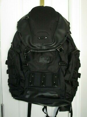 OAKLEY Kitchen Sink Backpack 34 L Capacity Stealth Black 92060A-13 New w Tags