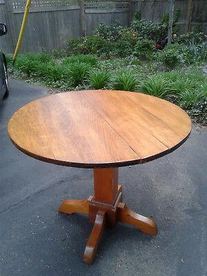 - Original Antique Oak Dining Round Table Unmarked Stickley Arts & Crafts, Mission