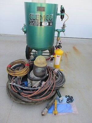 Clemco 600 Lb Sandblast Pot Model 2452