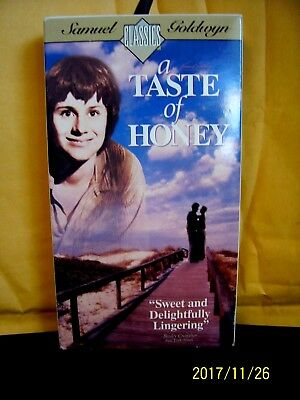 VHS samuel goldwyn classic A TASTE OF HONEY director tony richardson preowned