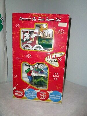 DISNEY Christmas Mickey And Friends Around The Tree Train Set Holiday