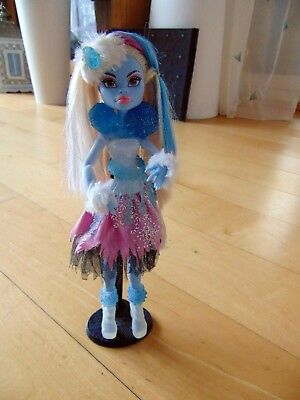 Mattel Monster High Y0366 - Kostümparty Abbey Bominable, (Abbey Bominable Monster High Kostüm)